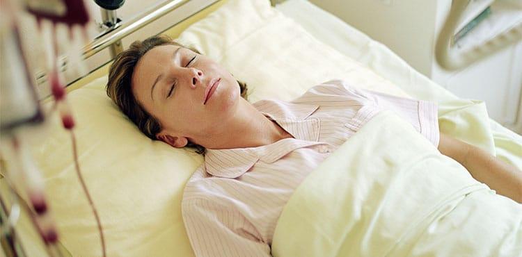 Woman in hospital bed | Illinois Xarelto Lawsuit